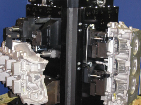 multiple load cylinder head workholding fixture